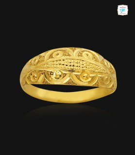 Fancy Sculpted Gold Ring -...