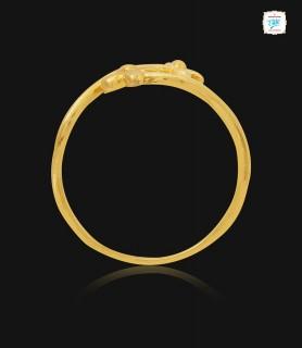 Soapwort Floral Gold Ring...