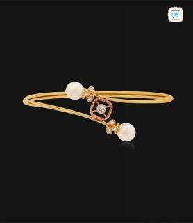Pretty Pearl Diamond Kada -...